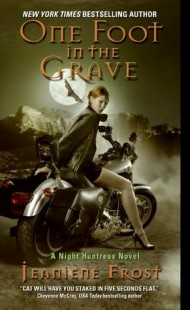 BOOK REVIEW – One Foot in the Grave (Night Huntress #2) by Jeaniene Frost
