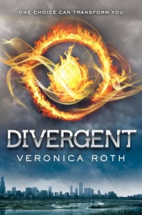 BOOK REVIEW – Divergent (Divergent #1) by Veronica Roth