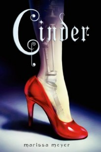 BOOK REVIEW – Cinder (The Lunar Chonicles #1) by Marissa Meyer