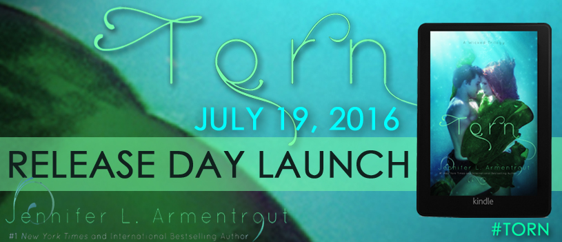 BOOK REVIEW + EXCERPT – Torn (A Wicked Trilogy #2) by Jennifer L. Armentrout